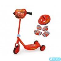 Трехколесный Самокат Cars со Шлемом и Наколенниками Smoby