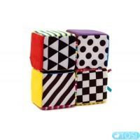 Развивающая игрушка для малышей Яркие кубики Lamaze