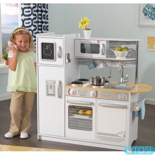 Как выбрать детскую игрушечную кухню: полезные советы